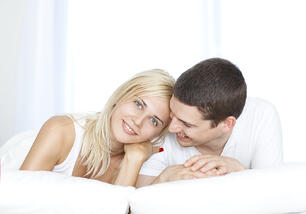 couple-white-looking